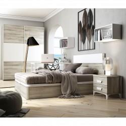 Dormitorio con canapé y mesillas