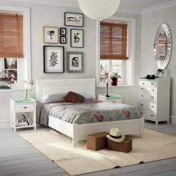 Dormitorio Vintage con cabecero, mesitas, bancada y xinfonier.