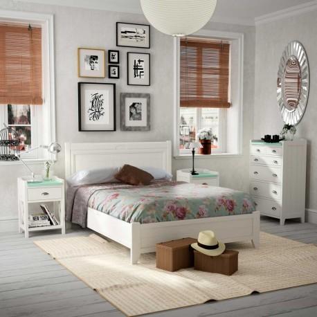 Dormitorio vintage con cabecero mesitas bancada y xinfonier for Muebles dormitorio vintage