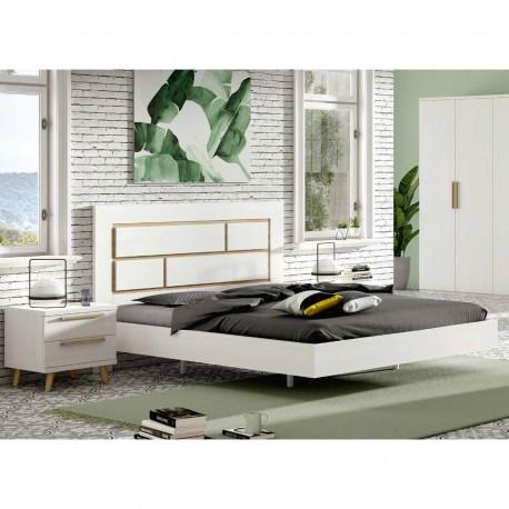 Dormitorio con cama, cabezal y mesitas