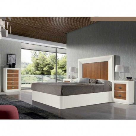 Dormitorio rústico con cabezal, mesitas y canapé