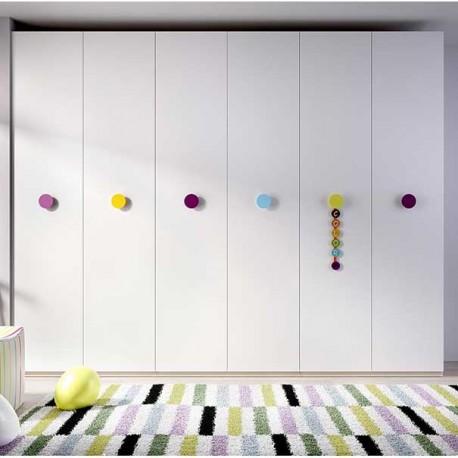 Armario seis puertas Blanco con tiradores en color