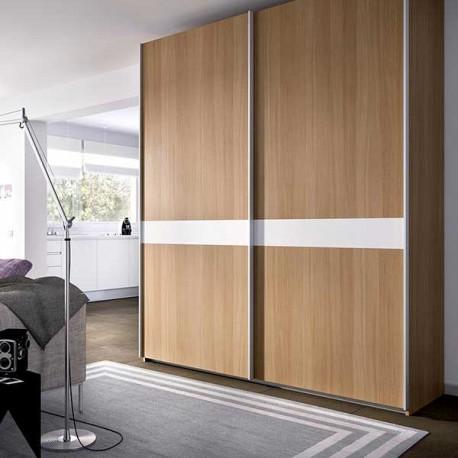 Armario dos puertas correderas en color natural y blanco - Armarios dos puertas ...