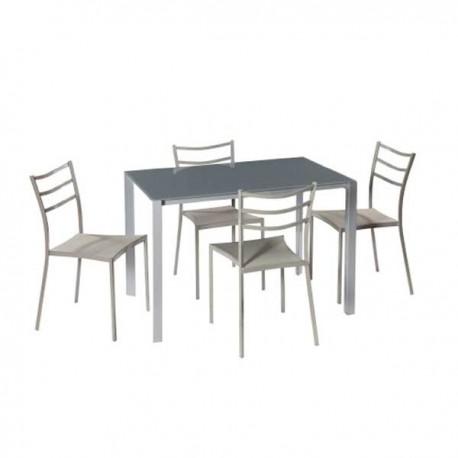 Conjunto mesa y cuatro sillas.